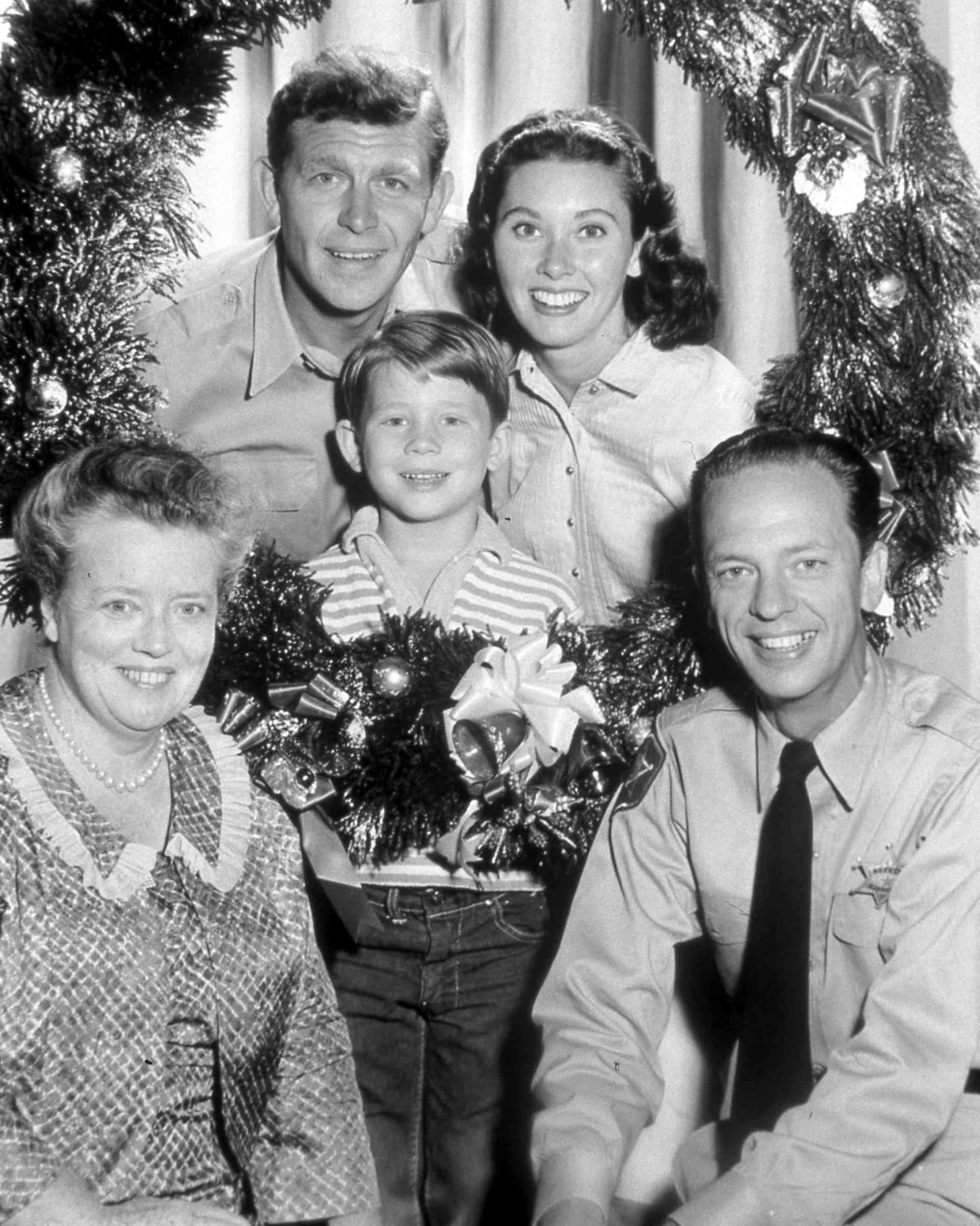 """CAST OF """"THE ANDY GRIFFITH SHOW"""" (CHRISTMAS) - 8X10 PUBLICITY PHOTO (EP-769)"""