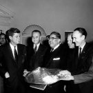 PRESIDENT JOHN F KENNEDY MEETS WITH MEXICO-US STRATEGY GROUP 8X10 PHOTO (BB-407)
