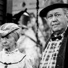 "IRENE RYAN AS ""GRANNY"" AND EDGAR BUCHANAN AS ""UNCLE JOE"" - 8X10 PHOTO (DA-794)"