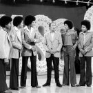 """""""THE JACKSON 5"""" & JOEY BISHOP R&B/POP MUSIC GROUP 8X10 PUBLICITY PHOTO (EE-171)"""