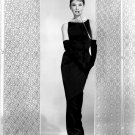 "AUDREY HEPBURN IN FILM ""BREAKFAST AT TIFFANY'S"" - 8X10 PUBLICITY PHOTO (NN-210)"