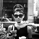 "AUDREY HEPBURN IN FILM ""BREAKFAST AT TIFFANY'S"" - 8X10 PUBLICITY PHOTO (NN-214)"