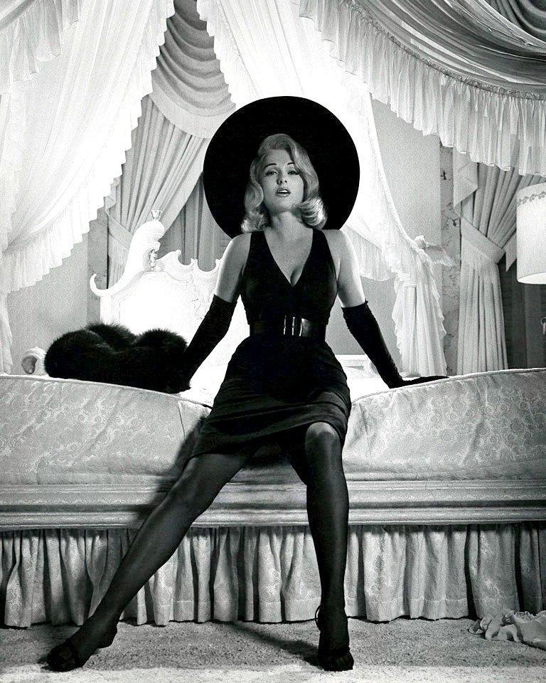ACTRESS MARTHA HYER - 8X10 PUBLICITY PHOTO (ZY-412)
