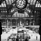 PENN STATION CONCOURSE IN 1962 NEW YORK CITY RAILWAY - 8X10 PHOTO (ZY-430)