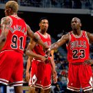 DENNIS RODMAN, SCOTTIE PIPPEN & MICHAEL JORDAN OF THE CHICAGO BULLS - 8X10 PHOTO (ZY-428)