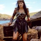 "LUCY LAWLESS IN ""XENA: WARRIOR PRINCESS"" - 8X10 PUBLICITY PHOTO (ZY-439)"