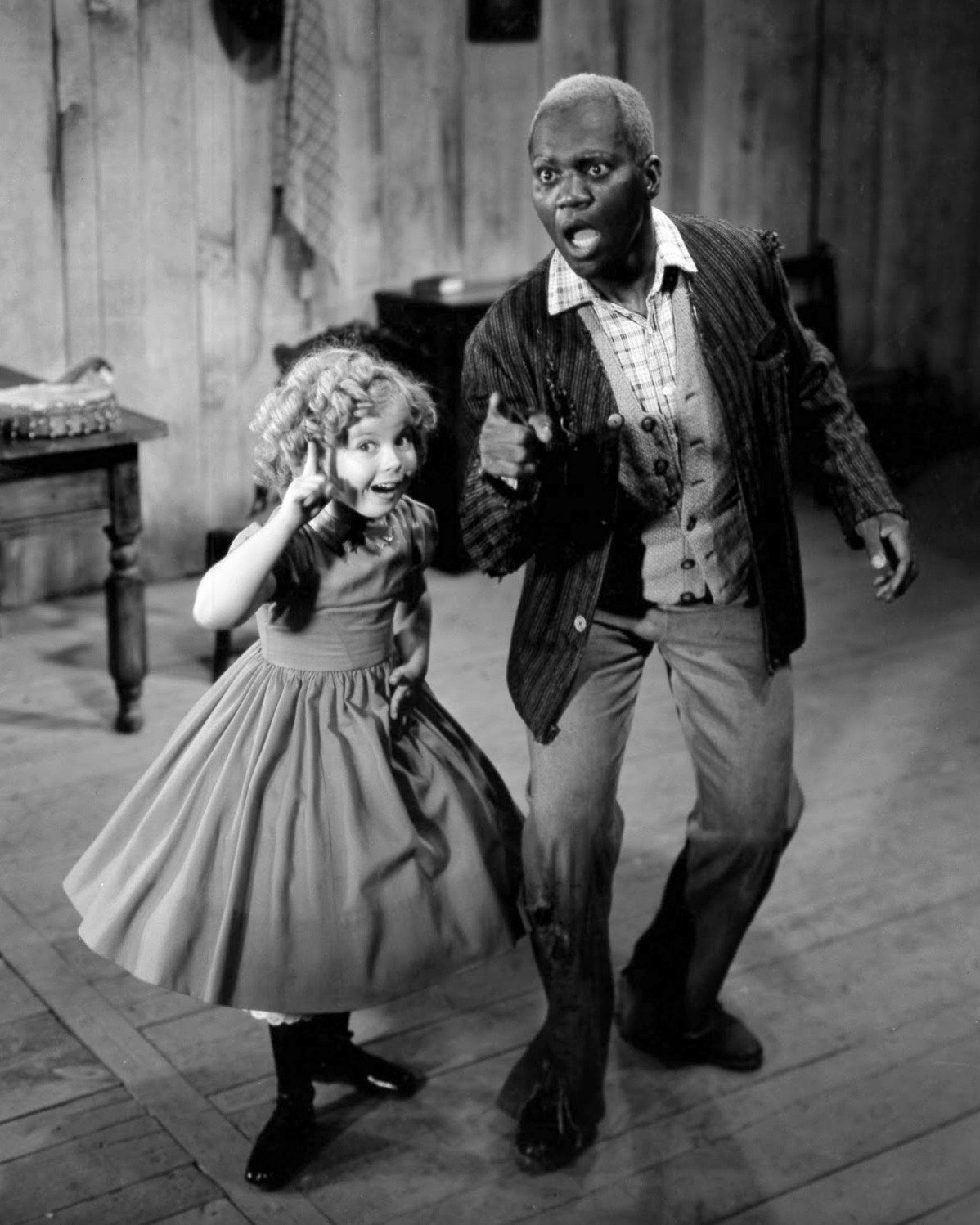 """SHIRLEY TEMPLE & BILL ROBINSON IN """"THE LITTLEST REBEL"""" - 8X10 PUBLICITY PHOTO (ZY-449)"""