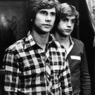 "PARKER STEVENSON & SHAUN CASSIDY ""THE HARDY BOYS"" 8X10 PUBLICITY PHOTO (AA-712)"