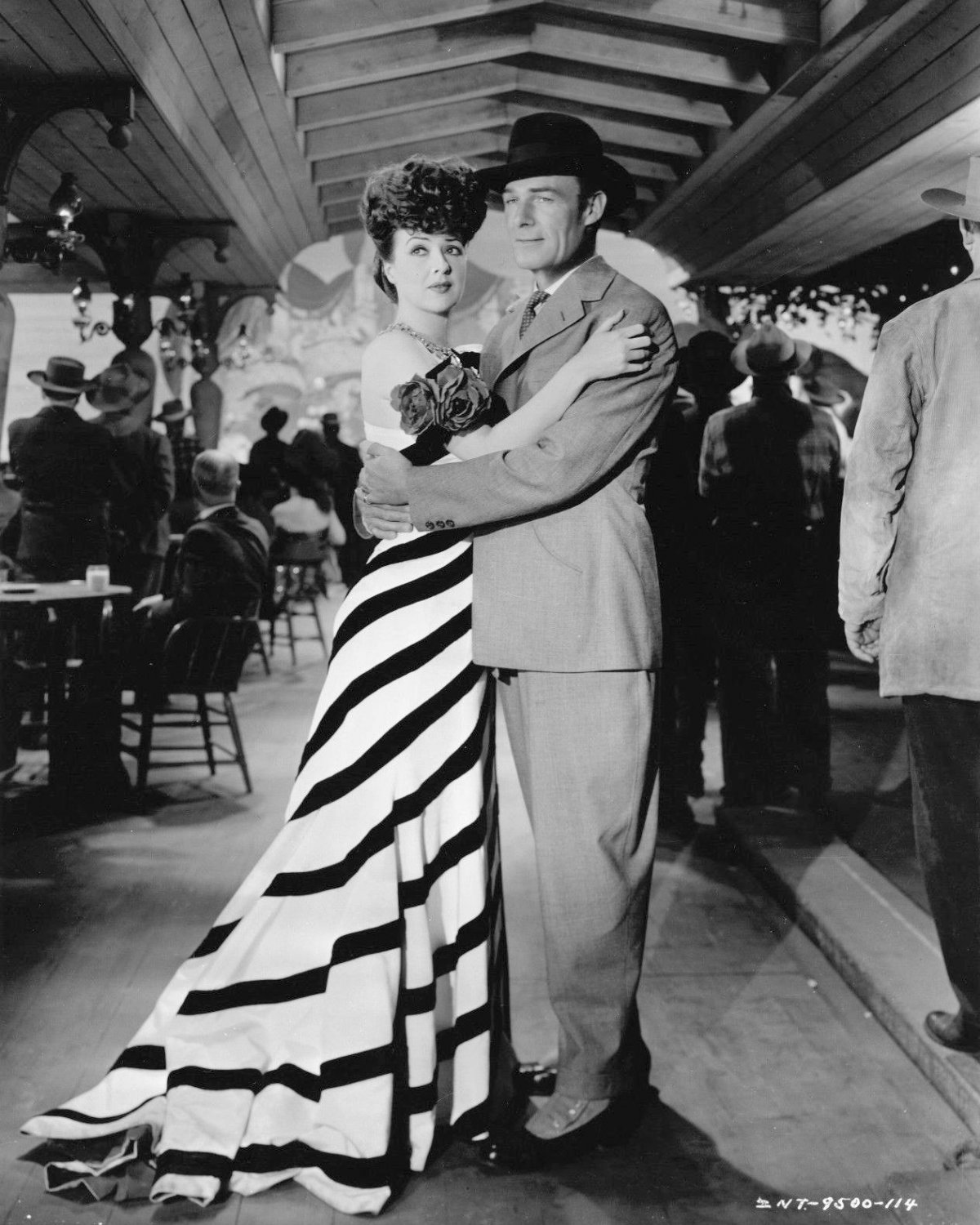 """RANDOLPH SCOTT AND GYPSY ROSE LEE IN """"BELLE OF THE YUKON"""" - 8X10 PHOTO (ZY-485)"""