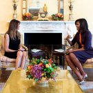 MICHELLE OBAMA MEETS WITH MELANIA TRUMP IN THE WHITE HOUSE - 8X10 PHOTO (ZY-605)