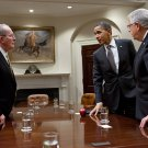 BARACK OBAMA WITH SENATORS LAMAR ALEXANDER AND MIKE ENZI - 8X10 PHOTO (ZY-513)
