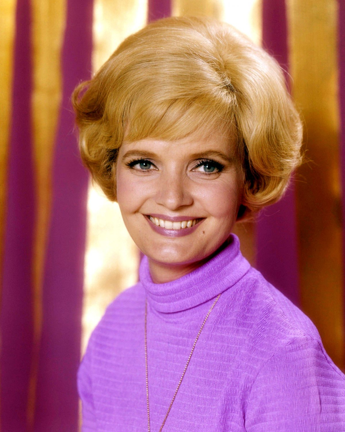 ACTRESS FLORENCE HENDERSON - 8X10 PUBLICITY PHOTO (ZY-644)