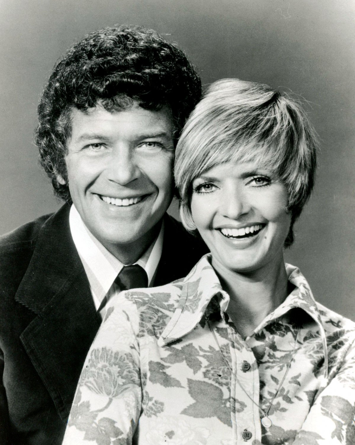 """""""THE BRADY BUNCH"""" FLORENCE HENDERSON ROBERT REED - 8X10 PUBLICITY PHOTO (ZY-647)"""