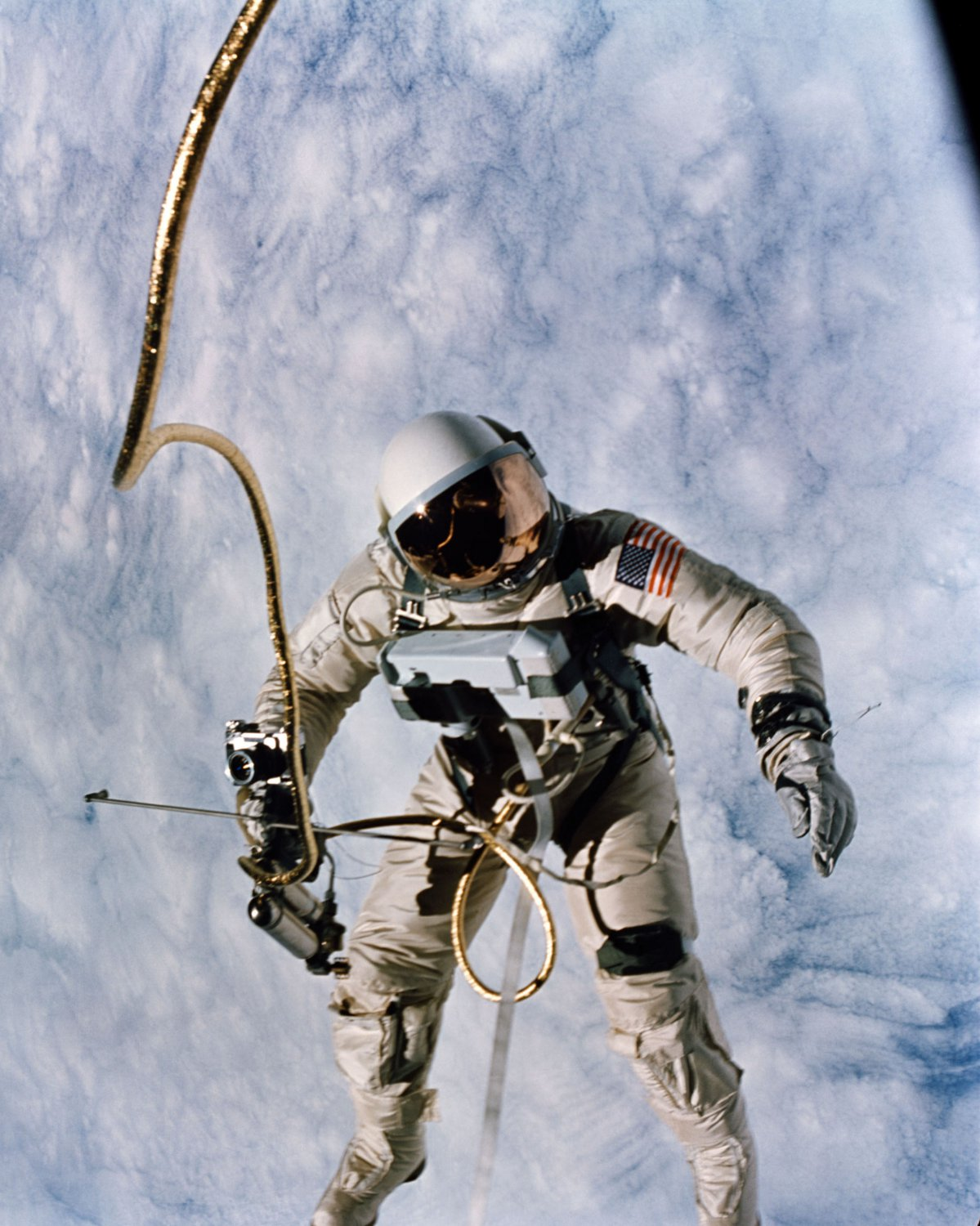 first american astronaut to walk in space - photo #10