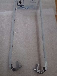 Toshiba L355D Hinges (6053B0405601 and 605B0406101)