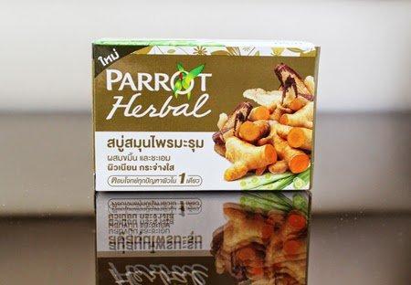 Parrot Herbal Soap Moringa mix turmeric and licorice 100g.