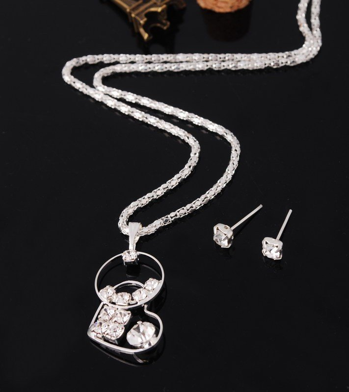 Romantic Bridal Silver Plated Clear Swarovski Element Crystal Heart Lovers Pendant Necklace Set