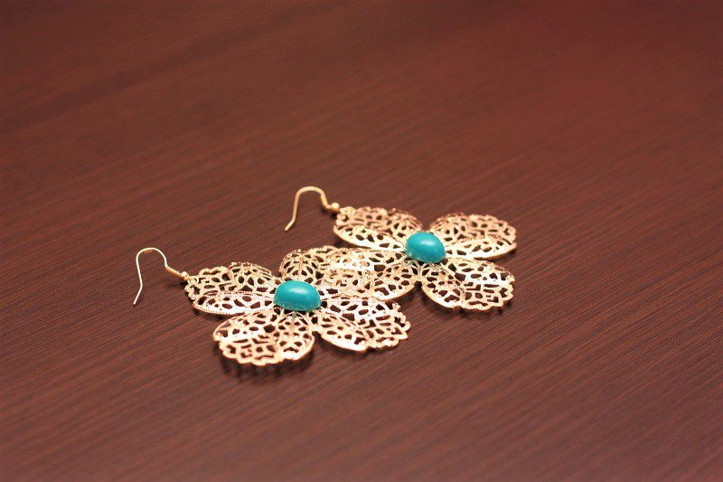 Big Retro Gold Leaf Flowers Turquoise Gemstone Drop Dangle Earrings