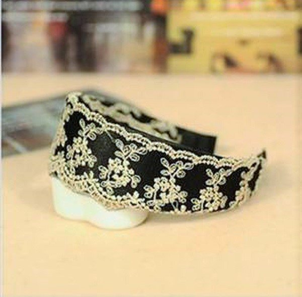 Elegant Vintage Wide Hoop Lily Branch Flowers Embroidery Lace Headband