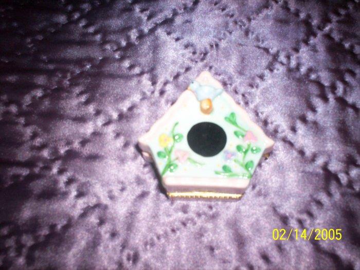 Birdhouse trinket box