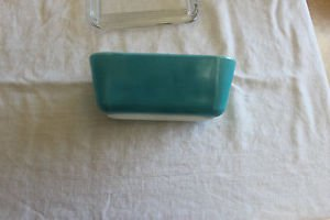 Vintage blue refrigerator dish primary colors with lid. 502-B