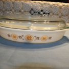 Vintage Pyrex Town & Country divided 1.5 qt. casserole w. lid. No cracks, chips.