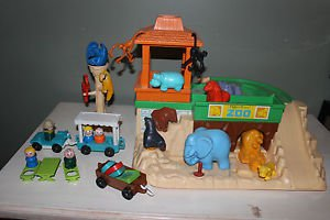 Vintage Fisher Price Zoo #916. 100% complete.