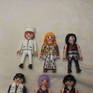 Playmobil lot 10 people, klicky 6 adult and 4 children.