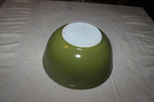 Vintage Pyrex avocado green primary colors mixing bowl 403. 2 1/2 quart. Nice