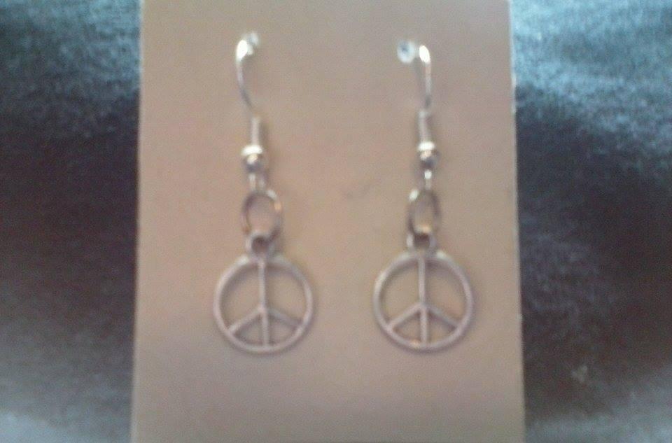 NEW Silver Tone Peace Sign Drop Hook Earrings.