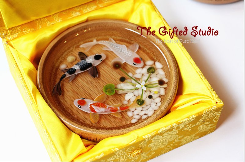 3 Koi resin painting in the bamboo bowl