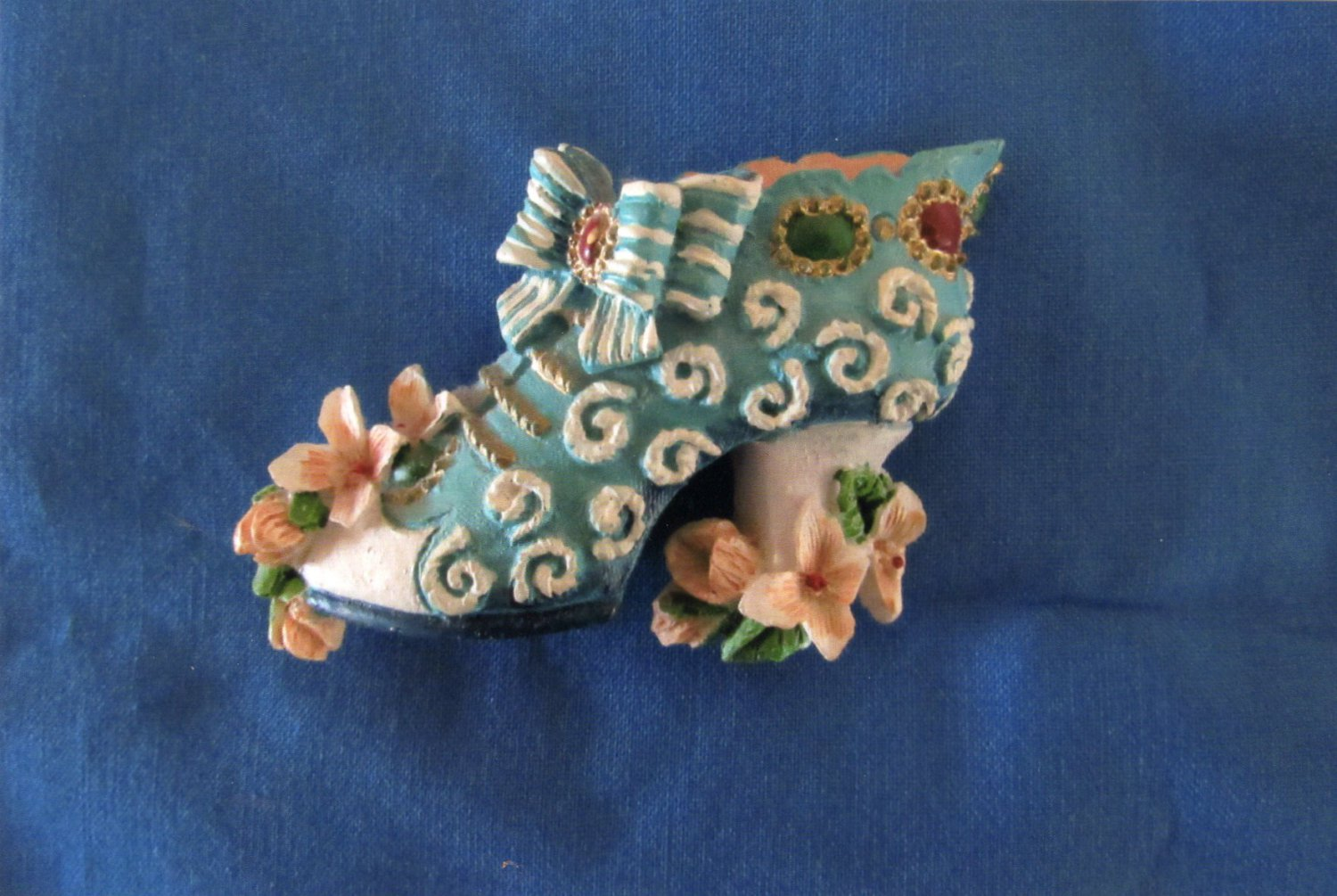 Fancy Shoe Kitchen/Refrigerator 3D Magnet With Bow & Flowers, Whimsical, Ceramic, Resin