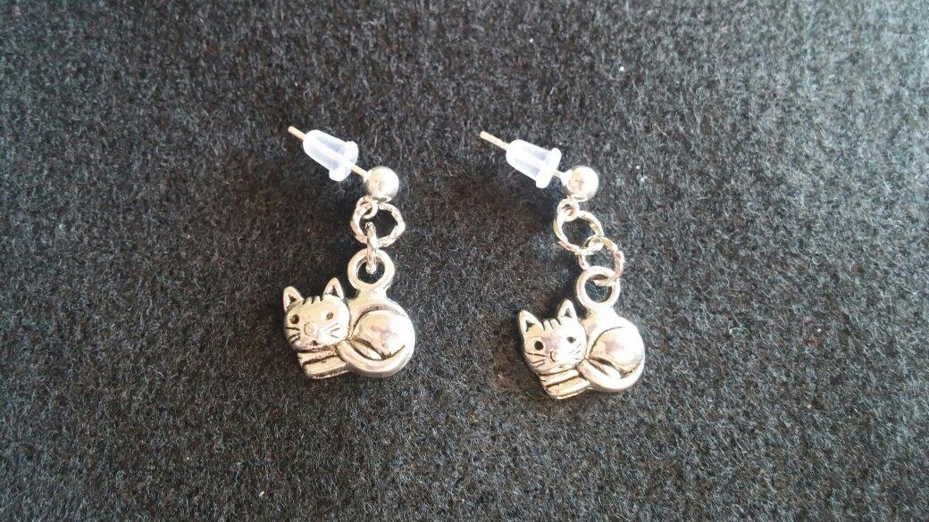 Kitty Cat Dangle Earrings
