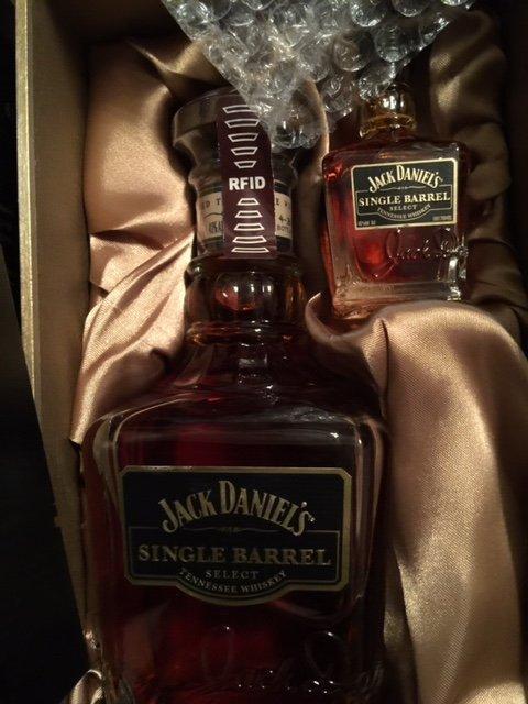 Jack Daniels Korean Single Barrel Select 500ml Gift Set - Whiskey