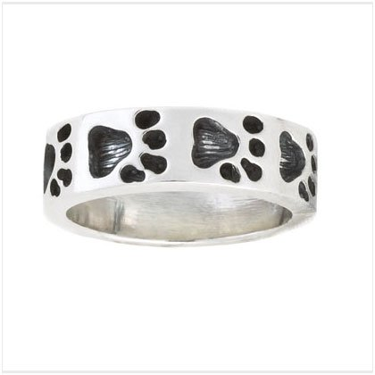 S.S. PAW PRINTS BAND RING
