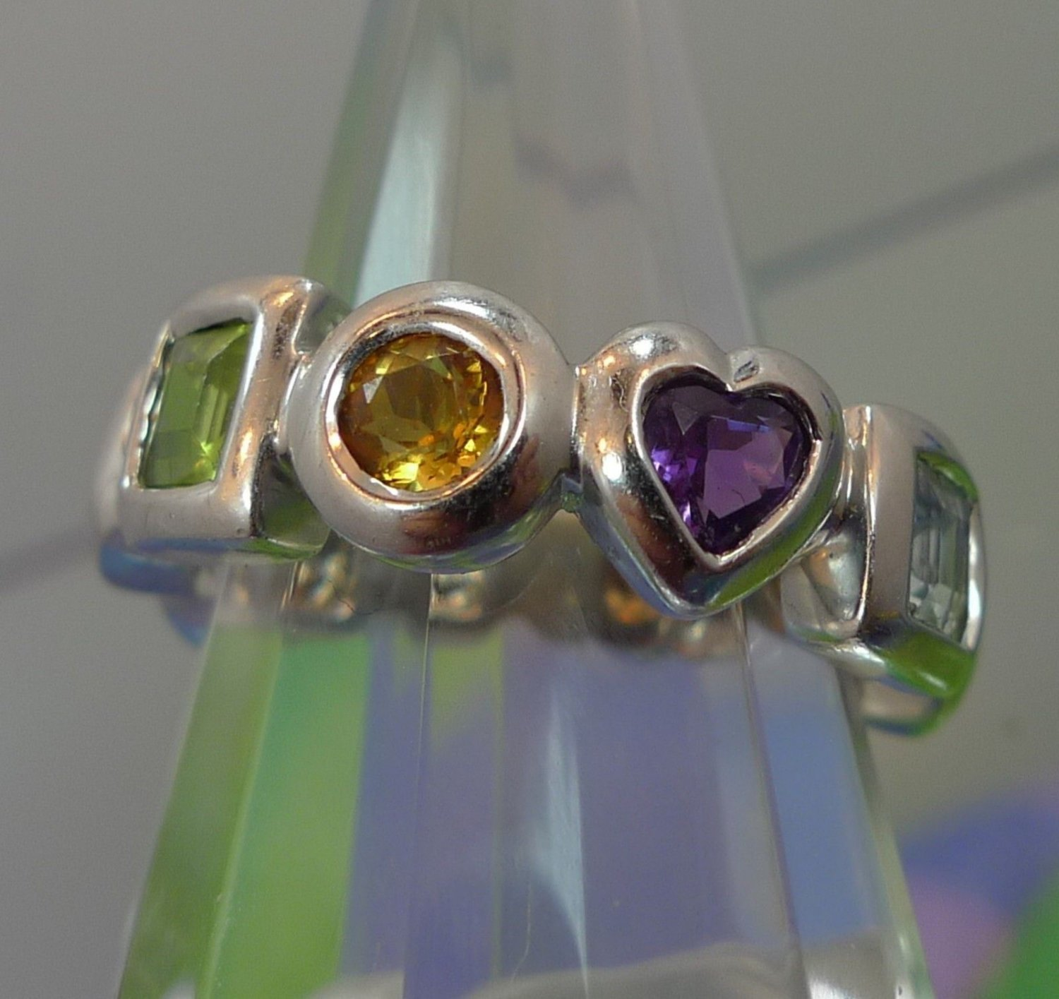 Size 8 Ring : Sterling Silver signed KN China 10 Shaped Stones Wedding Band