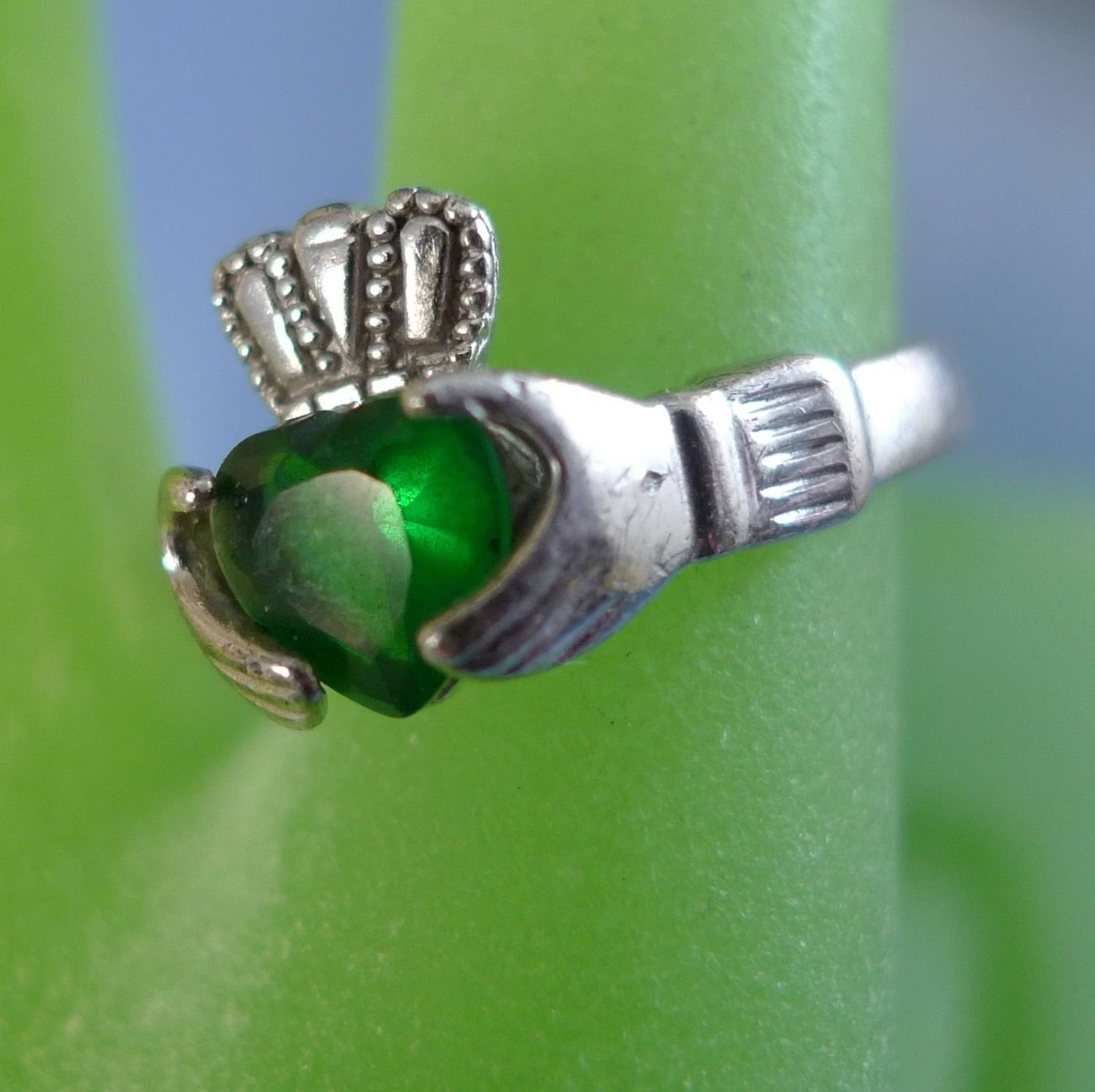 Size 7 Ring : Sterling Irish Claddagh Hands - Green Gemstone Heart Hallmarked