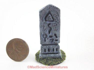 Cthulhu Garden Statue D180 Dollhouse Miniature 1:12 Scale H P Lovecraft Weird Spooky Artifact Idol