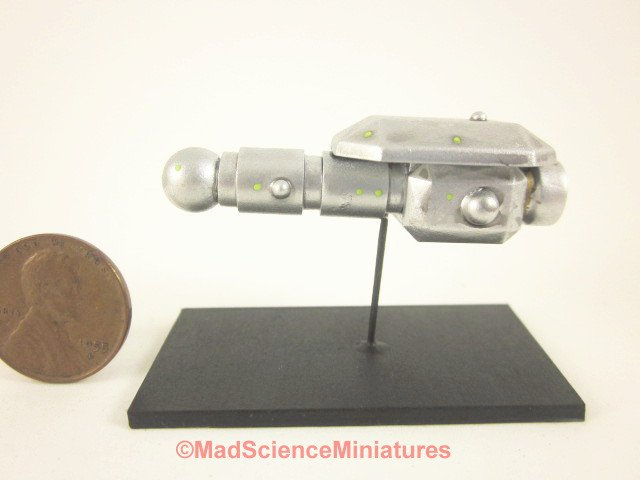 Mad Science Miniature Spaceship Model D157 Dollhouse 1:12 Scale Model Starship Science Fiction UFO