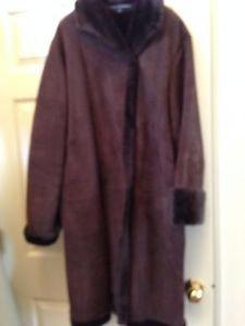 Linda Allard Ellen Tracy Winter suede coat 100% leather size 16
