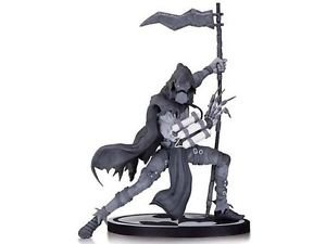 *IN-STOCK* SCARECROW: Black and White Batman (Carlos D'Anda) By DC Collectibles