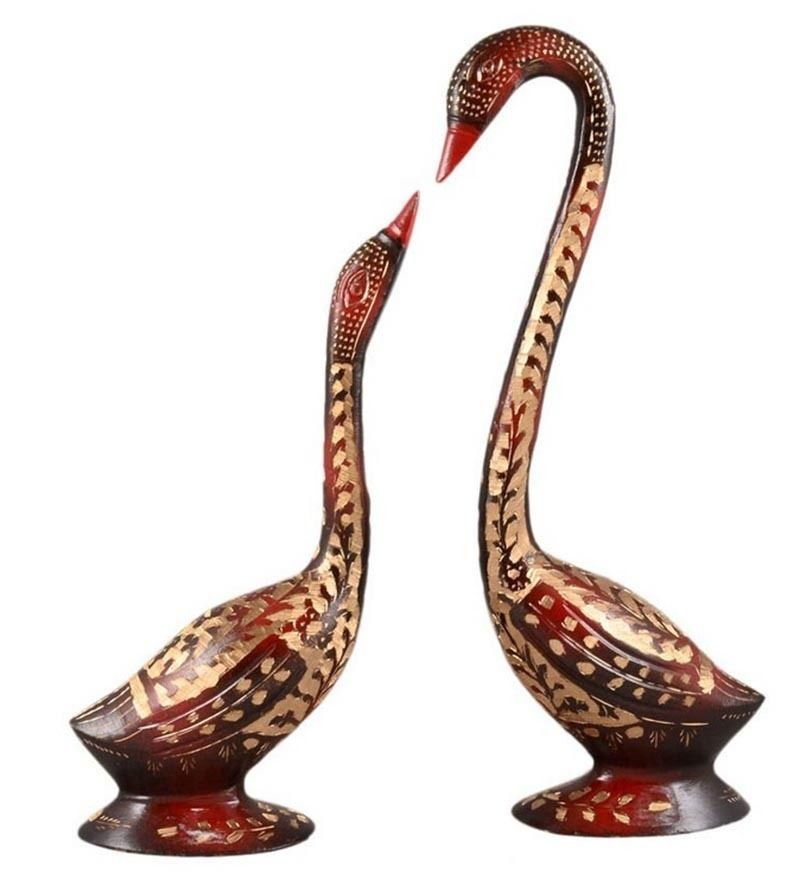 Pair Of Swan Statues / Mother Swan with her cygnets / Hand Crafted