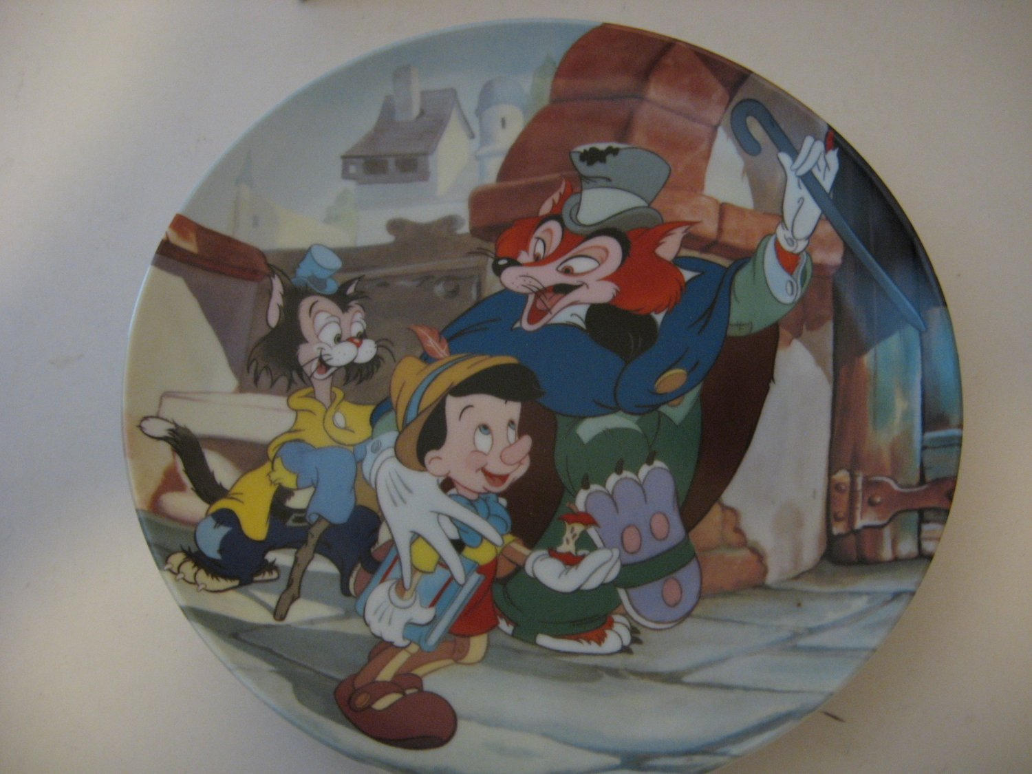 """Walt Disney """"It's an Actors Life For Me"""" collector plate by: Knowles"""
