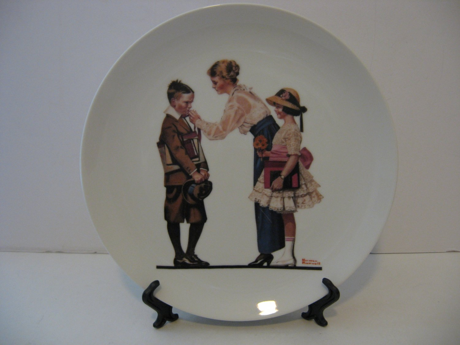 """Norman Rockwell 9.5"""" Collectors Plate 1980 - Off To School"""
