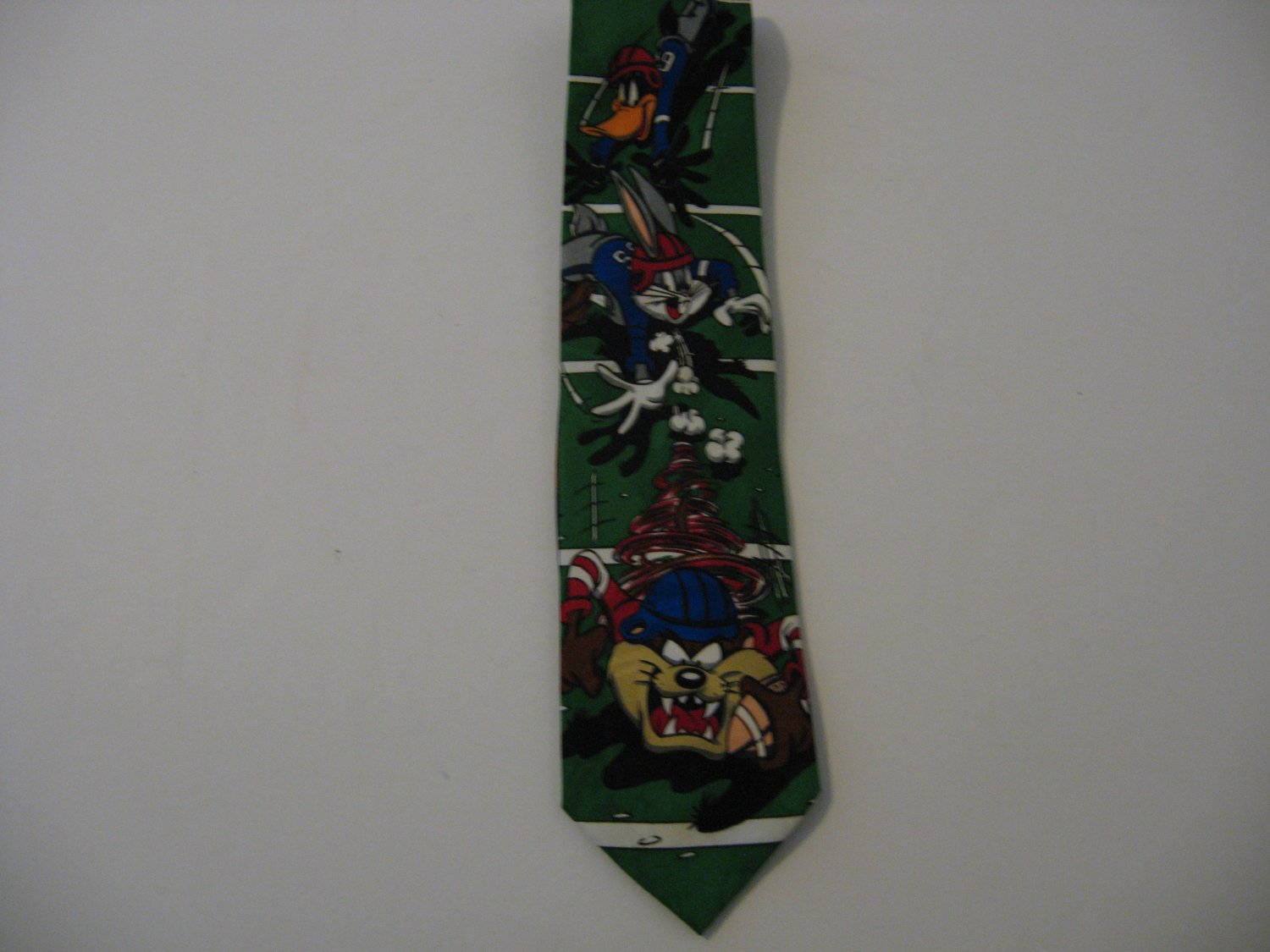 Vintage 1993 Looney Tunes  - Football Tie!