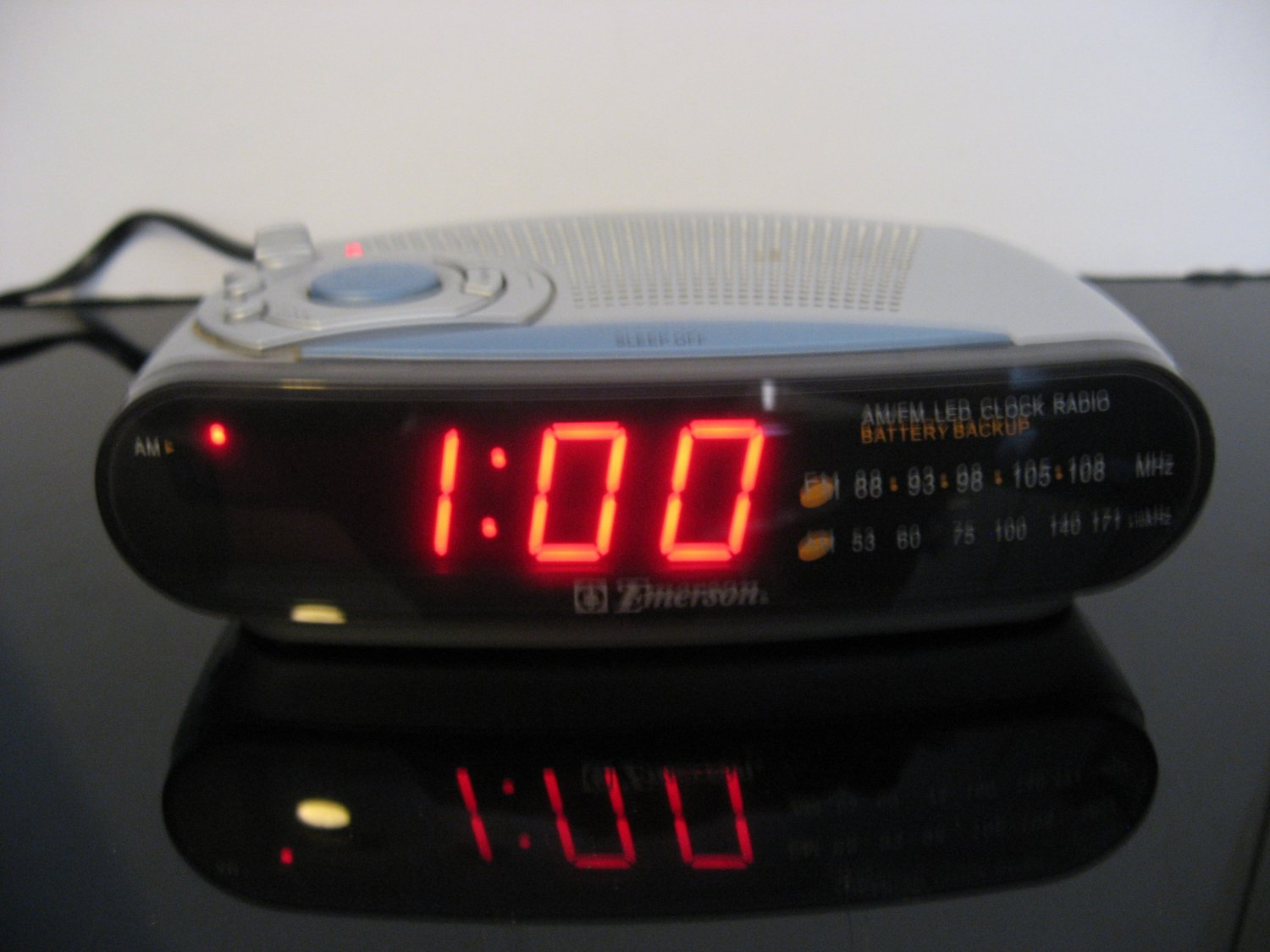 Vintage Emerson Digital Clock Radio