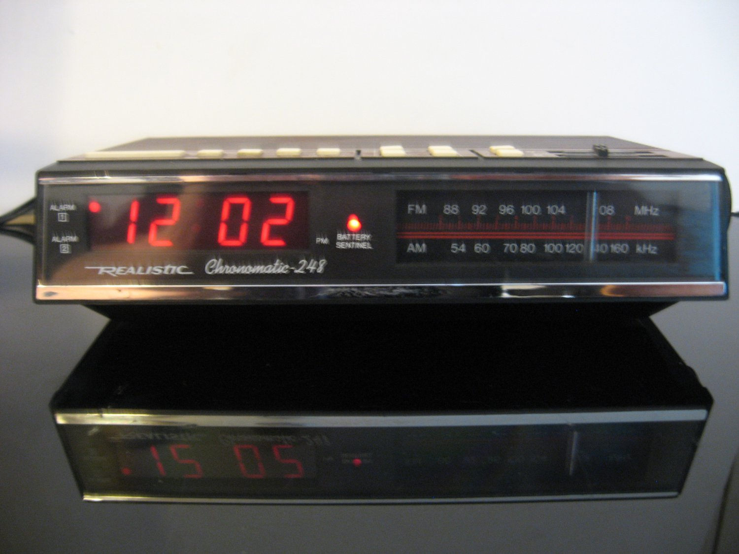 Vintage Realistic Chronomatic 248 - AM FM Radio Alarm Clock - Woodgrain finish