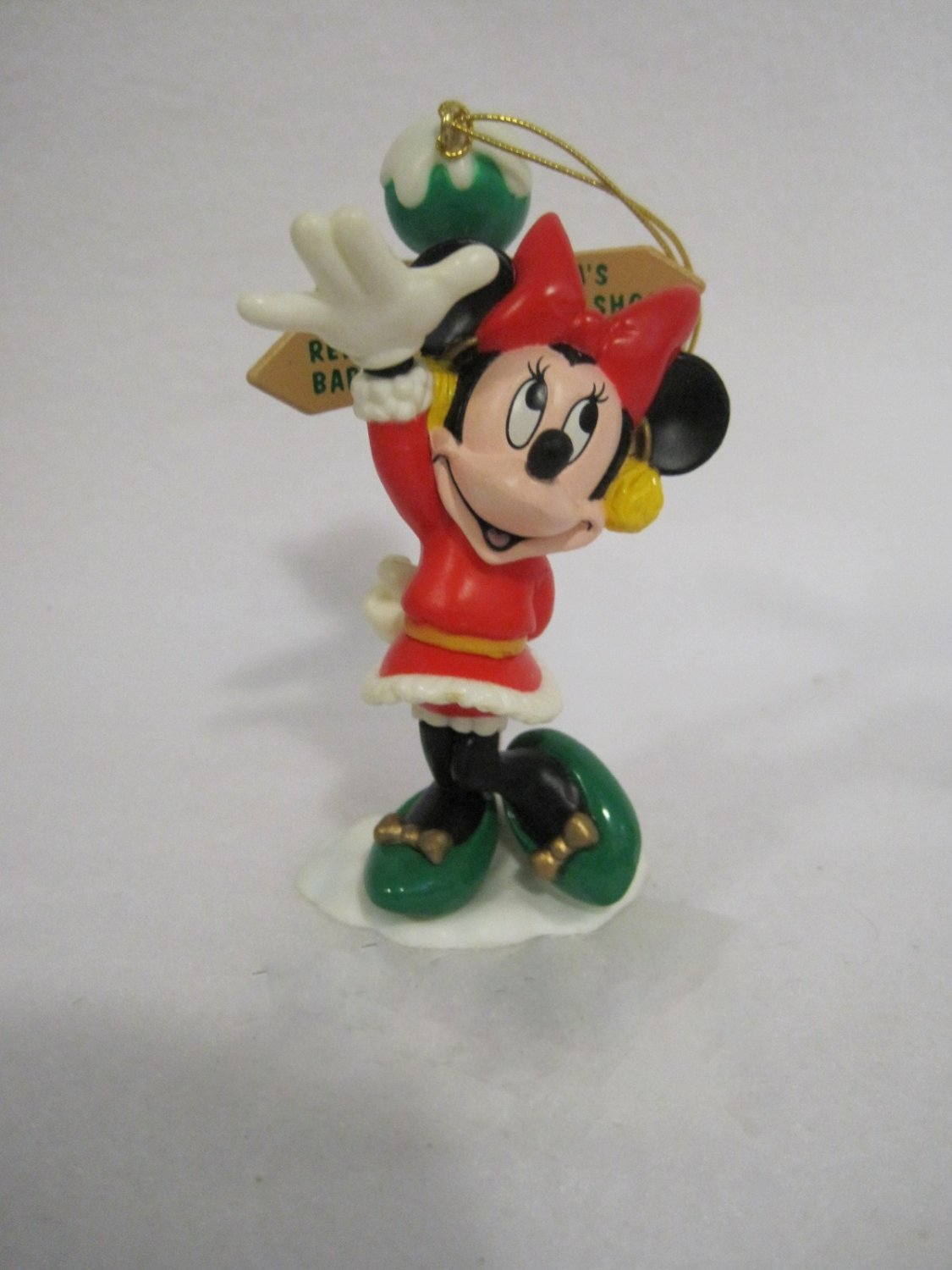 Enesco Hanging Tree Ornament Minnie out for a walk, waving.