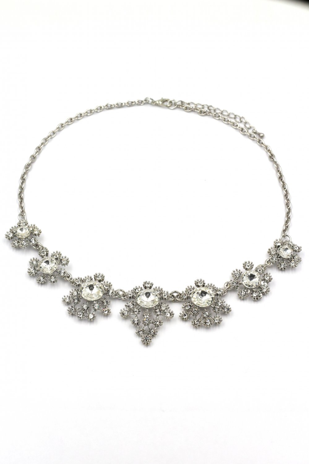 Noble flower crystal silver necklace