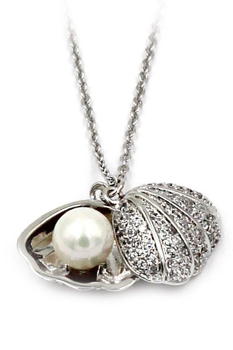 Pearl shell silver necklace